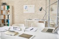Białe meble do biura - biuro w nowoczesnym stylu